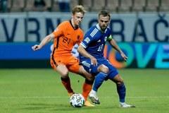 Hà Lan bất lực trước Bosnia