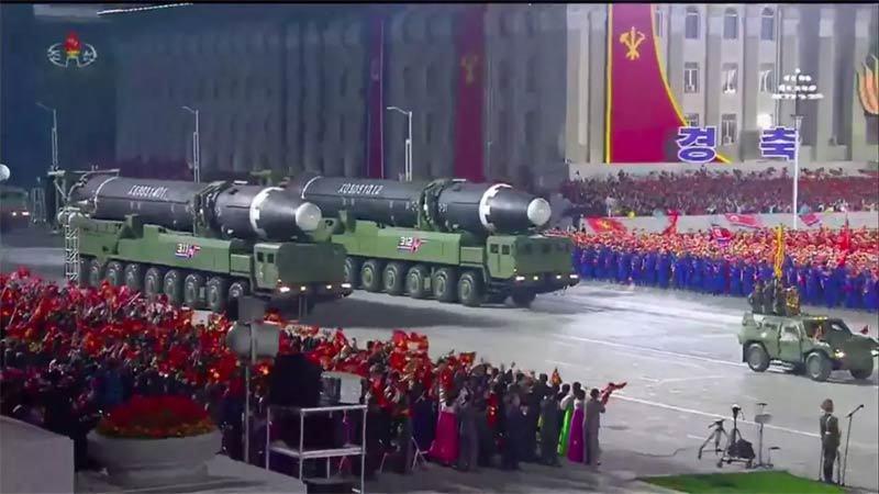 Chiến thuật của Kim Jong Un qua màn phô diễn sức mạnh quân sự