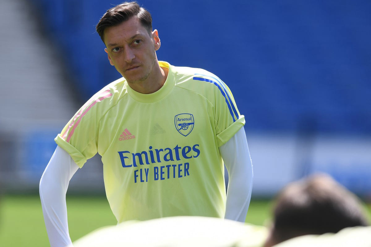 MU tranh Alaba, Juventus giải cứu Ozil