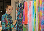 Foreign woman loves Ao Dai, brings Vietnamese silk to the world