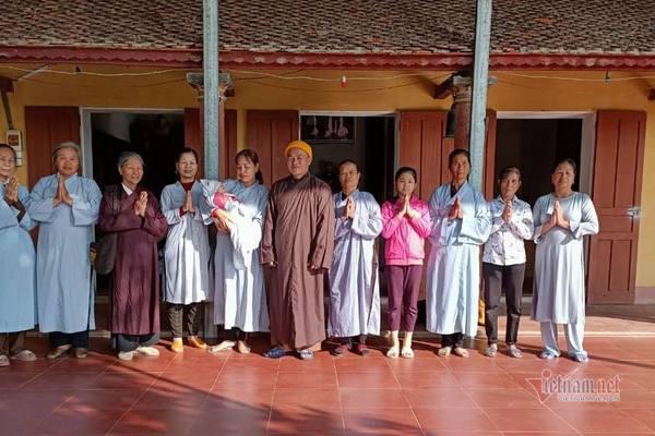 Đọc bài trên VietNamNet, cô gái bị phụ tình quay lại chùa nhận con