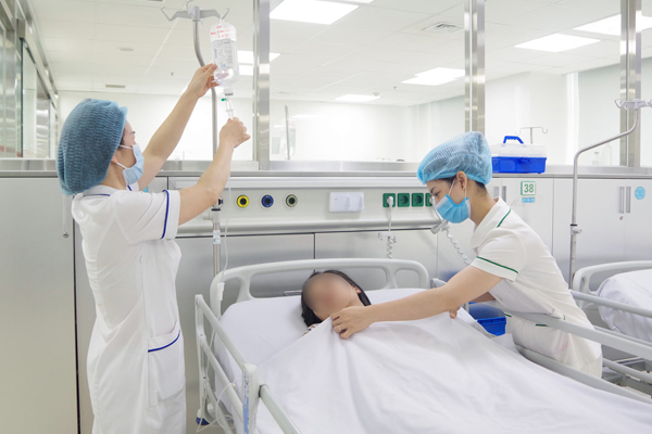 Cô gái liệt nửa người vì đột quỵ, bác sĩ chỉ 3 nguyên nhân người trẻ hay mắc