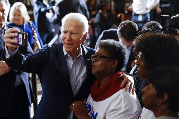 Lý do người ủng hộ ông Biden vẫn 'ăn không ngon, ngủ không yên'