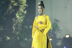 Á hậu Lý Kim Thảo làm 'nàng thơ' của NTK Nhật Dũng