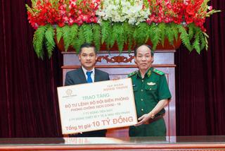 Hưng Thịnh trao 10 tỷ đồng hỗ trợ Bộ đội Biên phòng phòng, chống dịch
