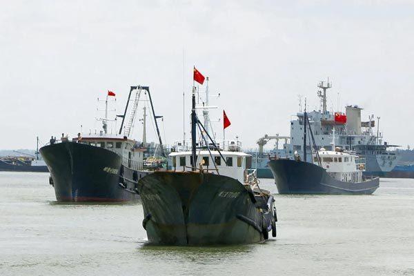 Malaysia bắt nhiều tàu cá Trung Quốc xâm phạm lãnh hải