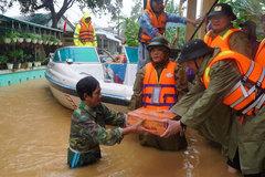 Heavy rain, floods wreak havoc in central provinces as new typhoon approaches
