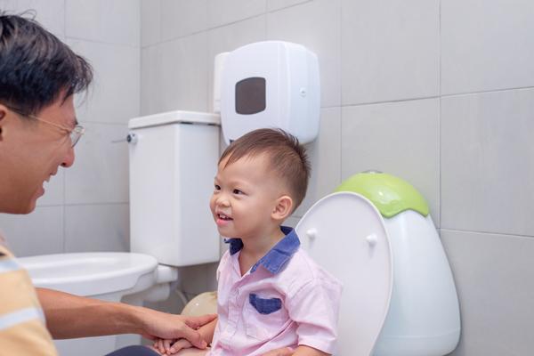'Bảo bối' gạt ác mộng nhà vệ sinh trường học