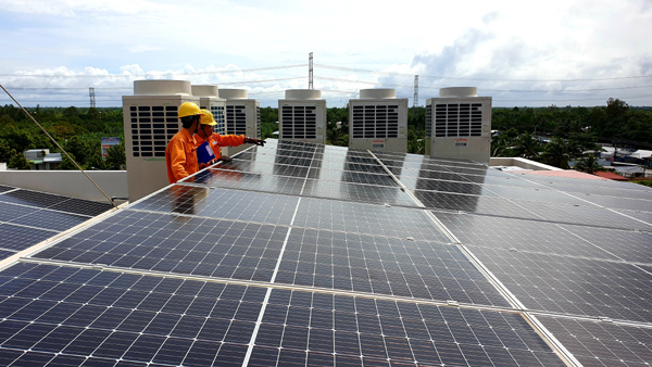 Rooftop solar power popular in southern provinces