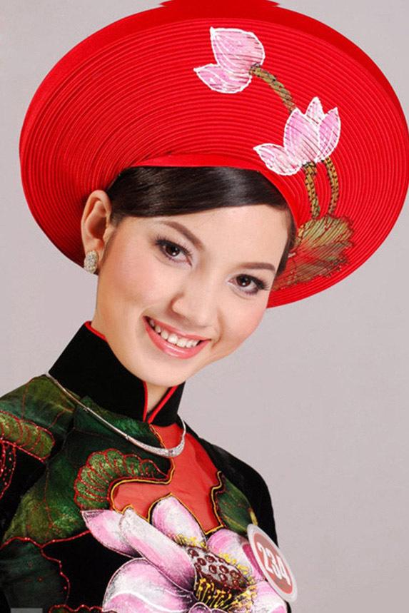 Nhan sắc vợ xinh đẹp từng thi hoa hậu của MC Anh Tuấn