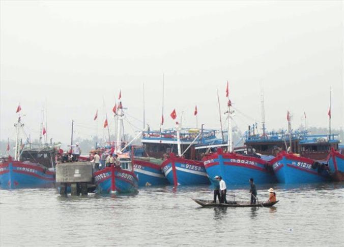 Bão số 7 áp sát bờ, Quảng Nam phát công điện ứng phó