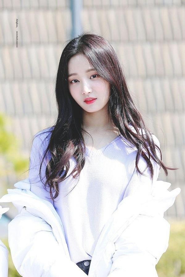 Nữ thần tượng Hàn Quốc bị fan cuồng rình rập và thách thức