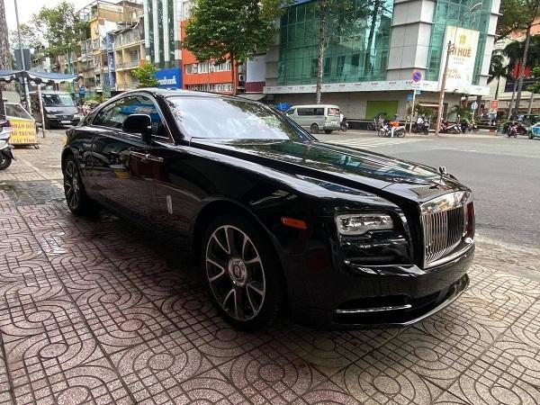 Loạt xe sang Rolls-Royce vừa về nước phục vụ đại gia Việt