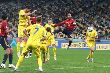 Tây Ban Nha ôm hận trên đất Ukraine