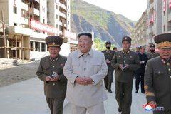 Kim Jong Un hứa xây hàng nghìn nhà cho dân Triều Tiên sau bão