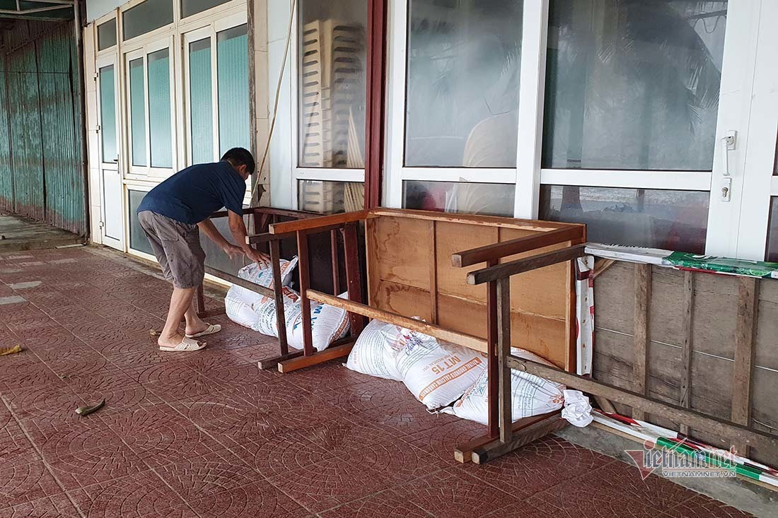 Bão số 7 đổ bộ: Bảy tỉnh cấm biển, sẵn sàng sơ tán 150.000 dân