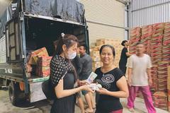Thuỷ Tiên đến Huế cứu trợ miền Trung: Đã kêu gọi được hơn 8 tỷ, bán hết hột xoàn làm từ thiện