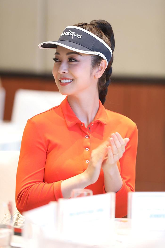 Dàn hoa hậu Việt Nam hâm nóng Tiền Phong Golf Championship