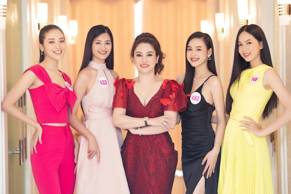 35 thí sinh Hoa hậu Việt Nam đến TMV Xuân Hương chăm sóc sắc đẹp