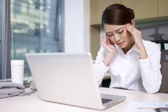 Làm gì khi bị đau đầu, suy giảm trí nhớ?