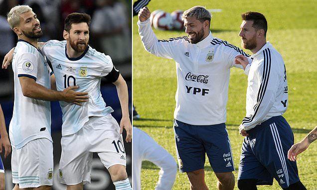 MU nhận tin Jadon Sancho, Aguero kể xấu Messi