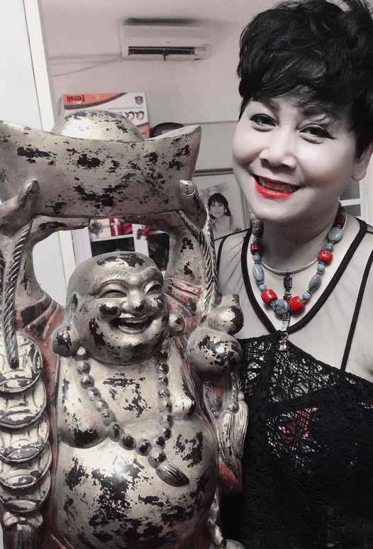 Bị Công Lý lườm, Vân Dung vẫn hồn nhiên tươi cười