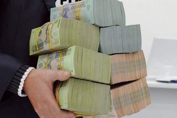 Ngân sách hụt thu trăm nghìn tỷ, nhiều tỉnh vẫn chi tiền sai quy định
