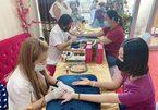 Dịch vụ xăm chỉ tay đổi vận 'độc, lạ' ở Thái Lan