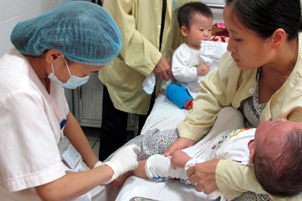 Sử dụng vắc-xin DPT-VGB-Hib trong tiêm chủng mở rộng