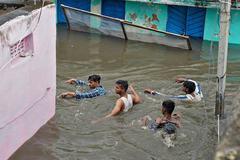 Tình cảnh Ấn Độ mưa lụt tồi tệ nhất trong 100 năm