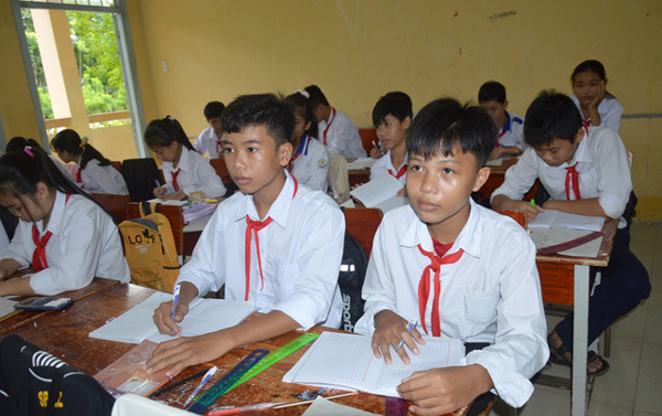 Pandemic makes returning to Vietnam to study tough for Vietnamese in Cambodia