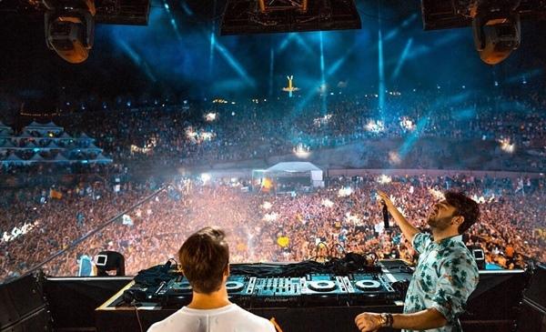 The Chainsmokers bị phạt 464 triệu vì tổ chức concert giữa mùa dịch Covid