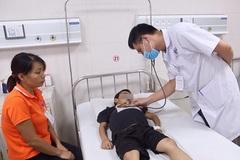 Bé trai 7 tuổi nguy kịch sau khi dùng thuốc nam chữa thận hư