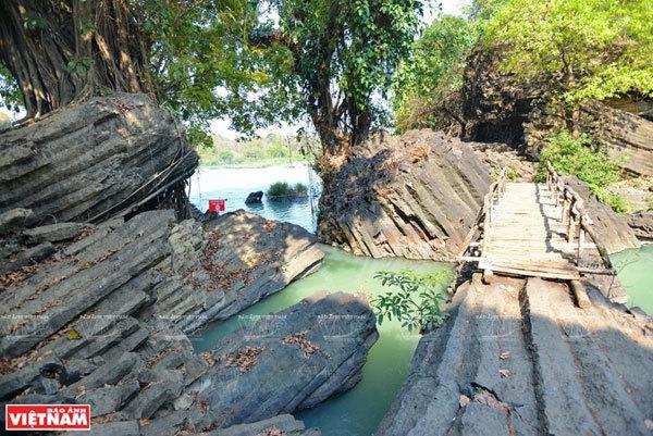 Dray Nur & Dray Sap waterfalls