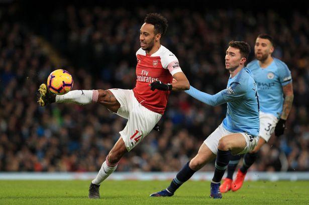 Lịch thi đấu bóng đá hôm nay 17/10: Man City đại chiến Arsenal