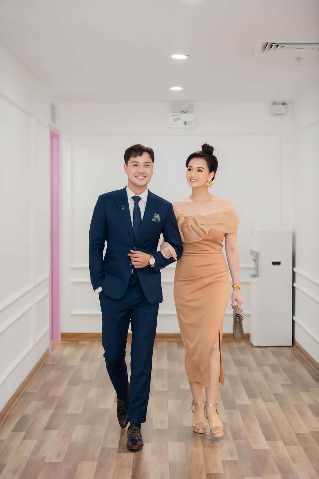 Thanh Sơn tình tứ bên Lã Thanh Huyền hậu 'Tình yêu và tham vọng'