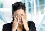 Các căn bệnh ẩn sau những dấu hiệu bất thường của mắt