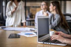 5 yếu tố tạo lợi thế khi đàm phán lương