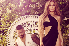 Jennifer Lopez khoe hình thể nóng bỏng bên trai trẻ kém 25 tuổi