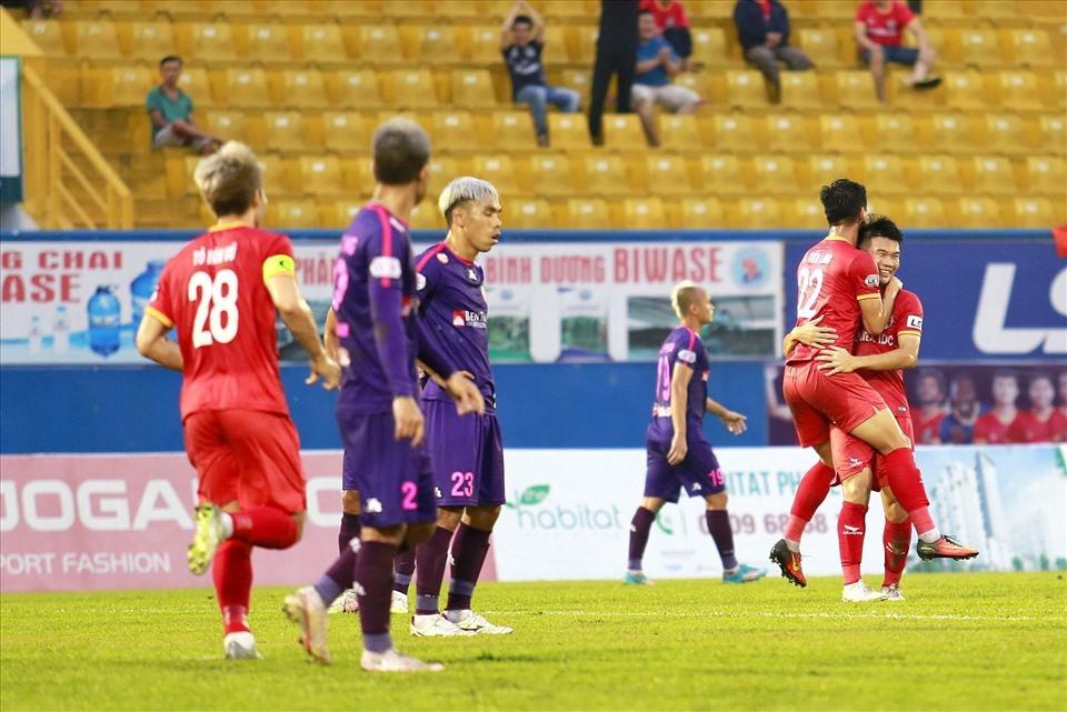 Vòng 16 V-League: HAGL đuối sức, Viettel chiếm đỉnh bảng