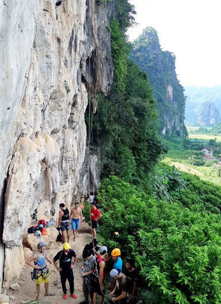 Yen Thinh offers fresh challenge for mountain climbers