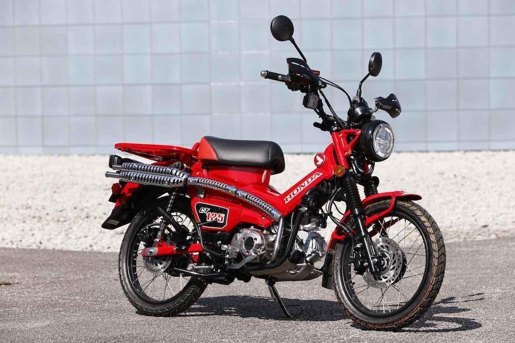 Ngắm những chiếc Honda Super Cub độ 2 pô cực chất