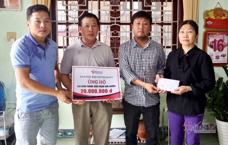 Báo VietNamNet trao 20 triệu đồng đến gia đình phóng viên hy sinh khi tham gia cứu hộ Rào Trăng 3