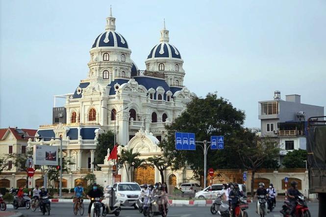 Lâu đài nghìn tỷ của đại gia xăng dầu đất Phú Thọ