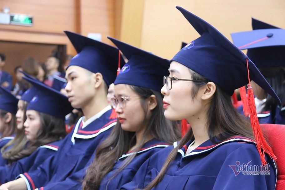 Sinh viên dệt may 'đắt như tôm tươi', lương cao nhất tới 30 triệu/tháng