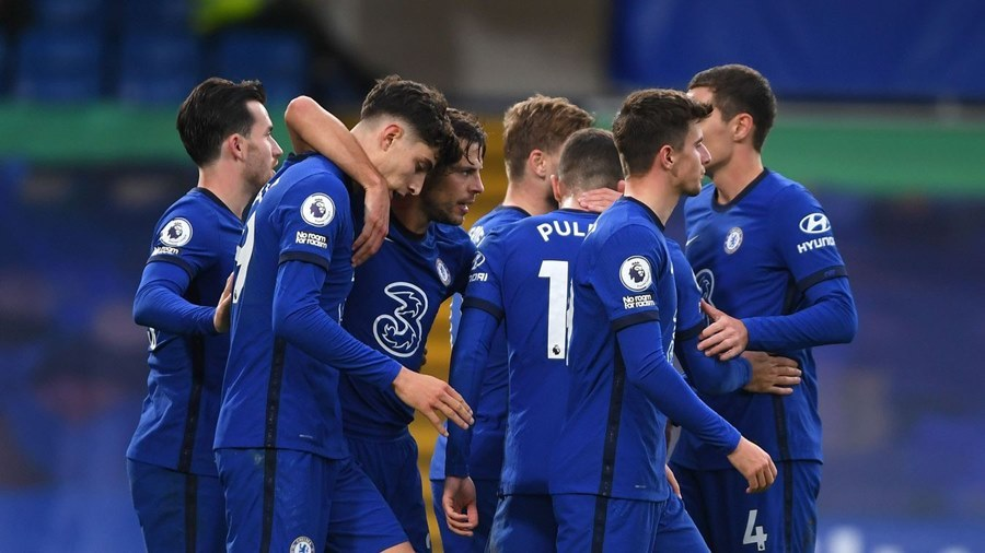 Chelsea đánh rơi chiến thắng sau màn rượt đuổi điên rồ