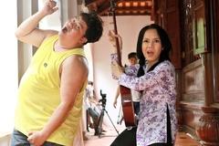 Việt Hương tặng Hoàng Mập dây chuyền trị giá 2 cây vàng
