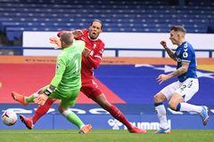 Liverpool gặp họa lớn, Van Dijk nghỉ hết mùa giải