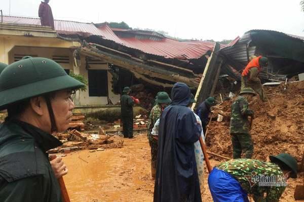 Hiện trường tìm kiếm cứu nạn 22 cán bộ, chiến sỹ bị vùi lấp ở Quảng Trị