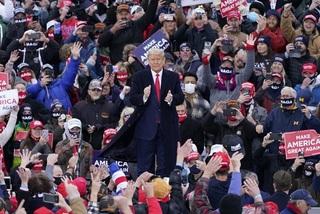 Chiến thuật ông Trump áp dụng để giành lại các bang miền Trung Tây